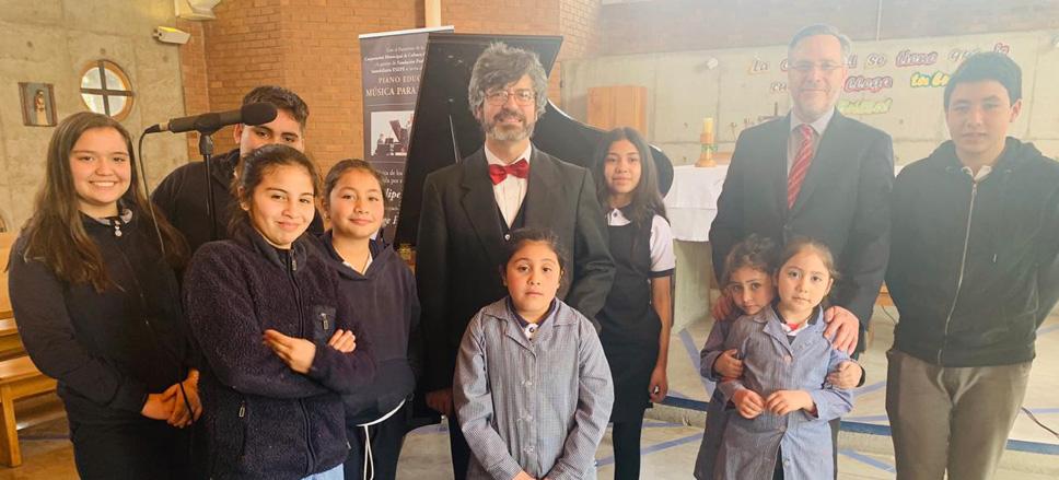 Concierto de Felipe Browne en Colegio Monte Olivo