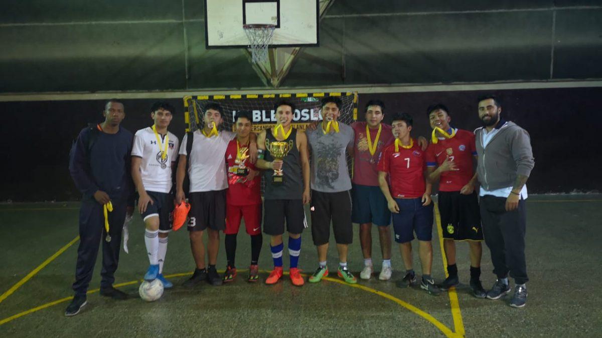 """La selección mayor de fútbol masculino, finalista del torneo """"Lo doy todo"""" en La Cisterna"""
